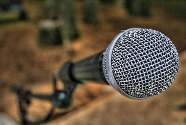Como superar o medo de falar em público