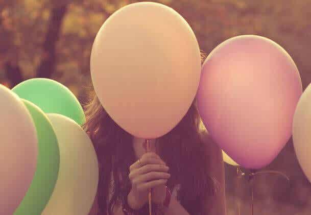 Somos um balão de emoções em um mundo de alfinetes