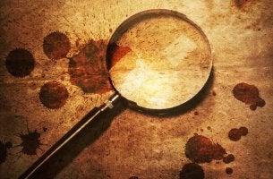 As pistas que o egoísmo deixa