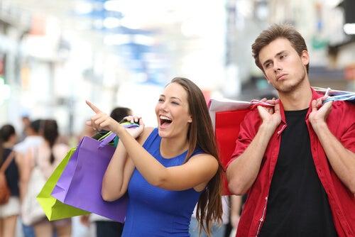 Você é um compulsivo por compras? Você pode ter Oniomania