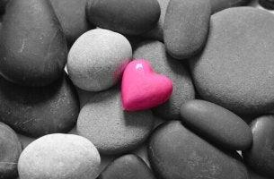 Diferenças entre a maturidade e o masoquismo emocional