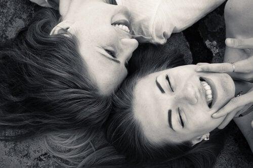 amigas-sorrindo