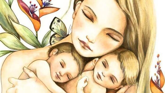 Mãe abraçada com seus filhos