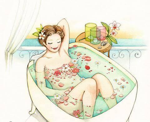 Mulher tomando um banho da beleza e relaxando