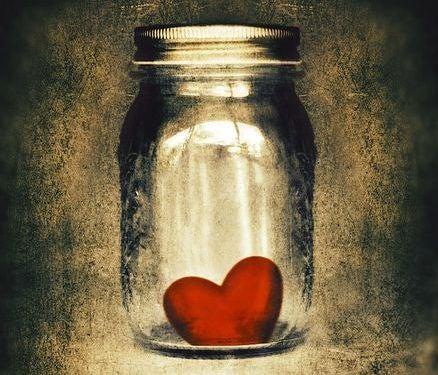 Jarro com coração dentro