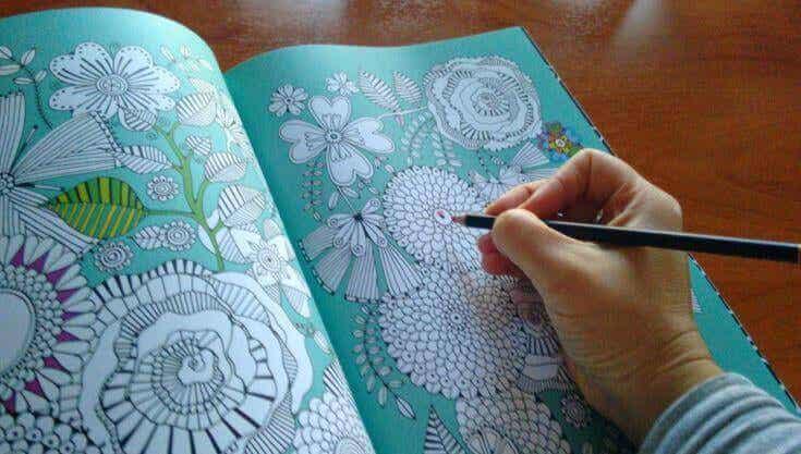 Livros de colorir, uma nova forma de relaxamento