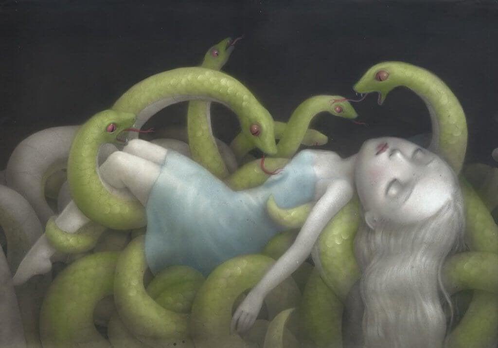 mulher-com-serpentes
