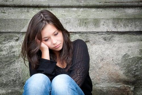 mulher-jovem-triste