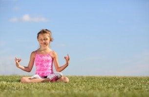 Ensinar as crianças a meditar