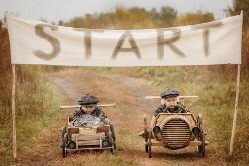 crianças-competindo-em-uma-corrida
