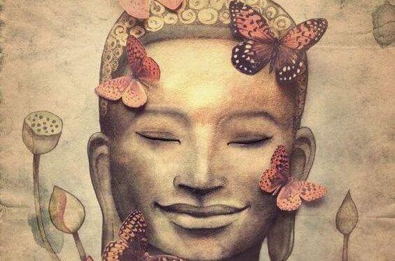 buda-com-borboletas