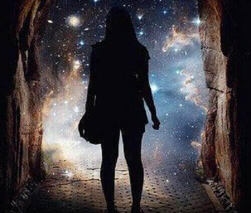 menina-caverna-universo