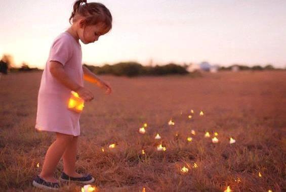 menina-luzes