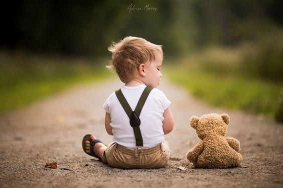 criança-com-ursinho