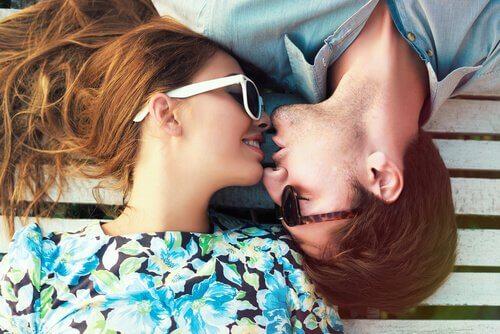 Por que nos beijamos?