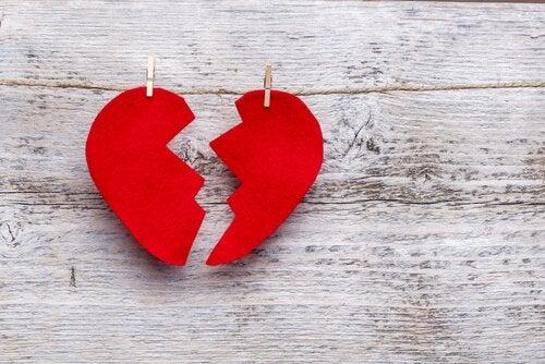 Coração-vermelho-partido
