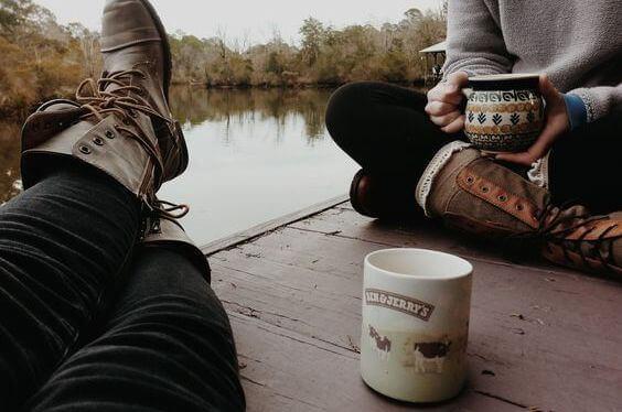 tomar-cafe-com-amigos