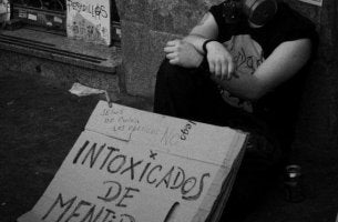 Intoxicados de mentiras
