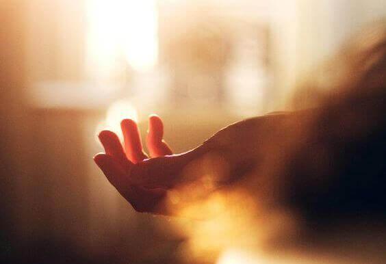 maos-rezando