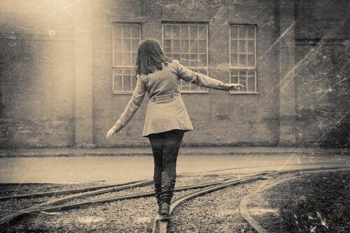mulher-aproveitando-vida-sem-limites