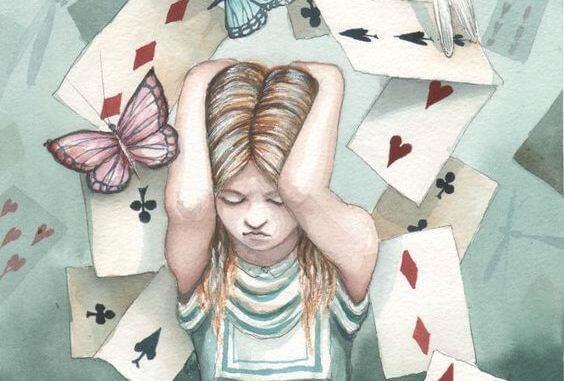 alice-rodeada-de-cartas