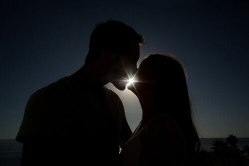 beijos_casal_anoitecer