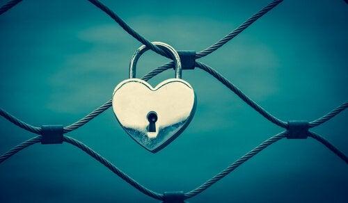 Coração cadeado