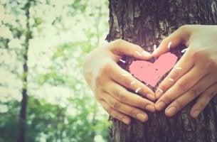 Amor para desarmar e humor para suavizar