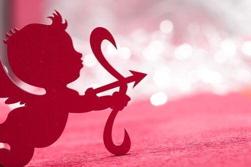 Procuro um Cupido novo e responsável, pois demiti o meu