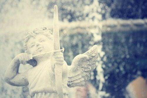 escultura_anjo_cupido
