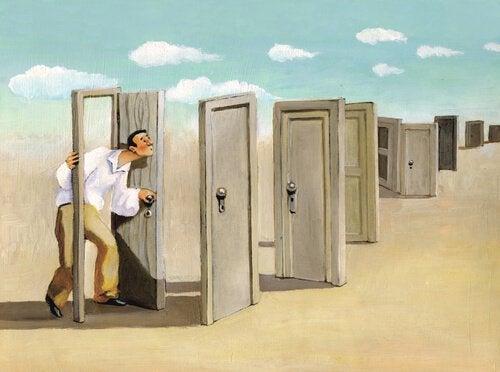 homem-abrindo-portas