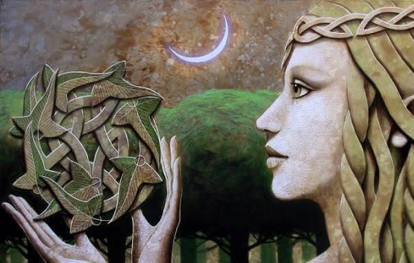 mulher-com-símbolo-celta-representando-consciência