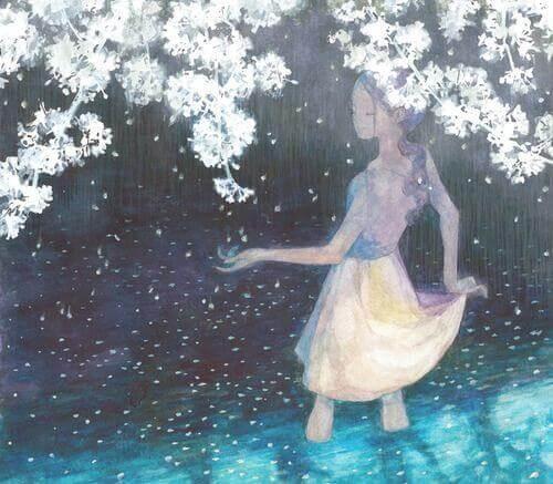 mulher-embaixo-de-flores-brancas-aproveitando-ser-feliz