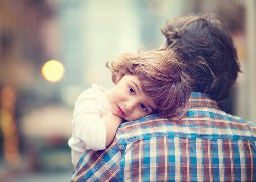 pai-e-filho-ensinar-disciplina-inteligente
