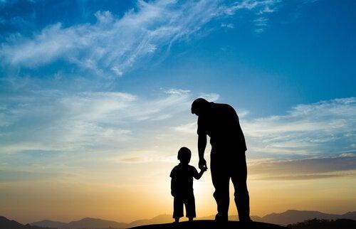 Pai ensinando disciplina inteligente
