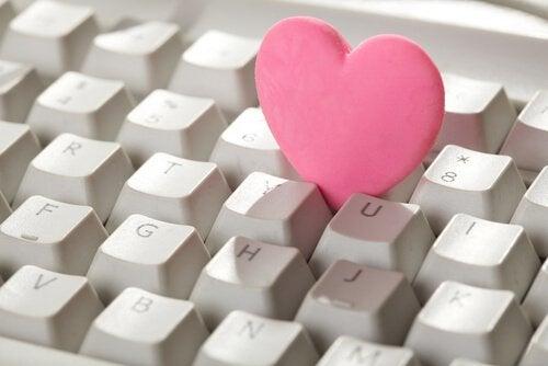 O perigo dos relacionamentos virtuais