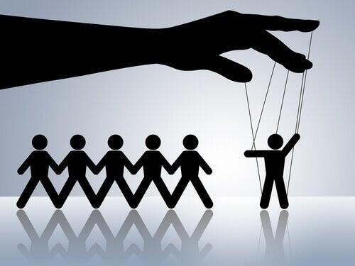 vitimismo-manipulação