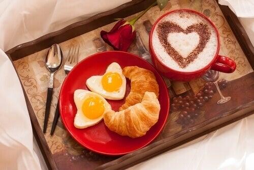 Café-da-manhã-na-cama-formas-dizer-eu-te-amo