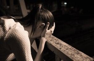 Mulher com medo do fracasso