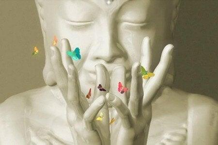buda-com-borboletas-budismo