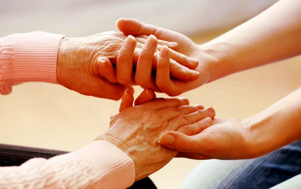 Os cuidadores de pessoas dependentes, gesto de amor e justiça