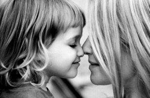 Uma mãe não é uma melhor amiga: é uma mãe
