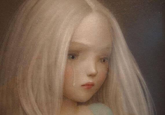 menina chorando por nostalgia