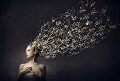 mulher-com-pensamento