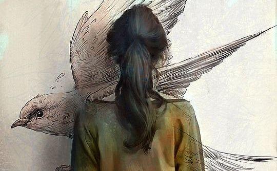 mulher desenhando pássaro