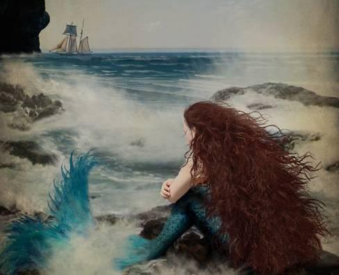 sereia com nostalgia olhando barco