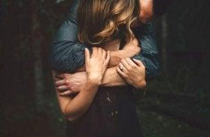 Ame quando estiver pronto, não quando estiver sozinho