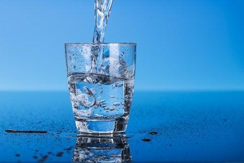copo-enchendo-de-água