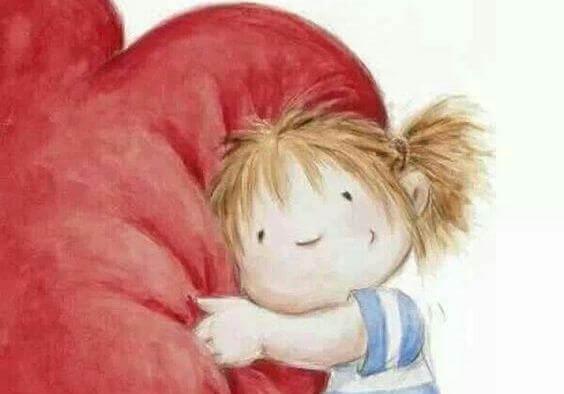 Menina abraçando um coração