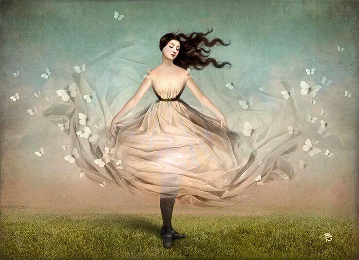 mulher-com-borboletas-tendo-pressentimento-bom